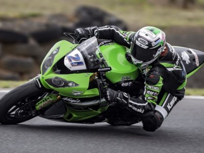 Festival de adelantamientos en Supersport con victoria final para Randy Krummenacher