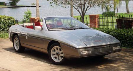 Este es el último Lotus diseñado por Colin Chapman. Y puede ser tuyo