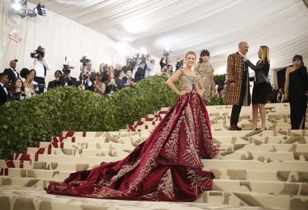 Alfombra Roja Gala Met 2018 Blake Lively Versace