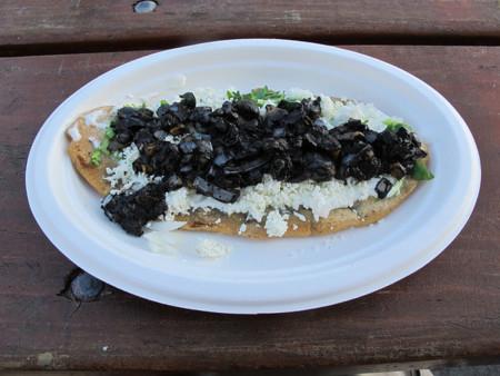 Huarache de huitlacoche