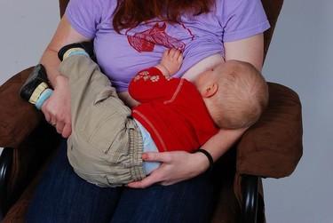 Prolongar la lactancia materna favorece la maduración de áreas relacionadas con la inteligencia