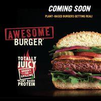 Nestlé apuesta en grande por la carne que no es carne: Awesome Burger, la nueva hamburguesa vegetal que, afirman, es hasta más saludable que la carne
