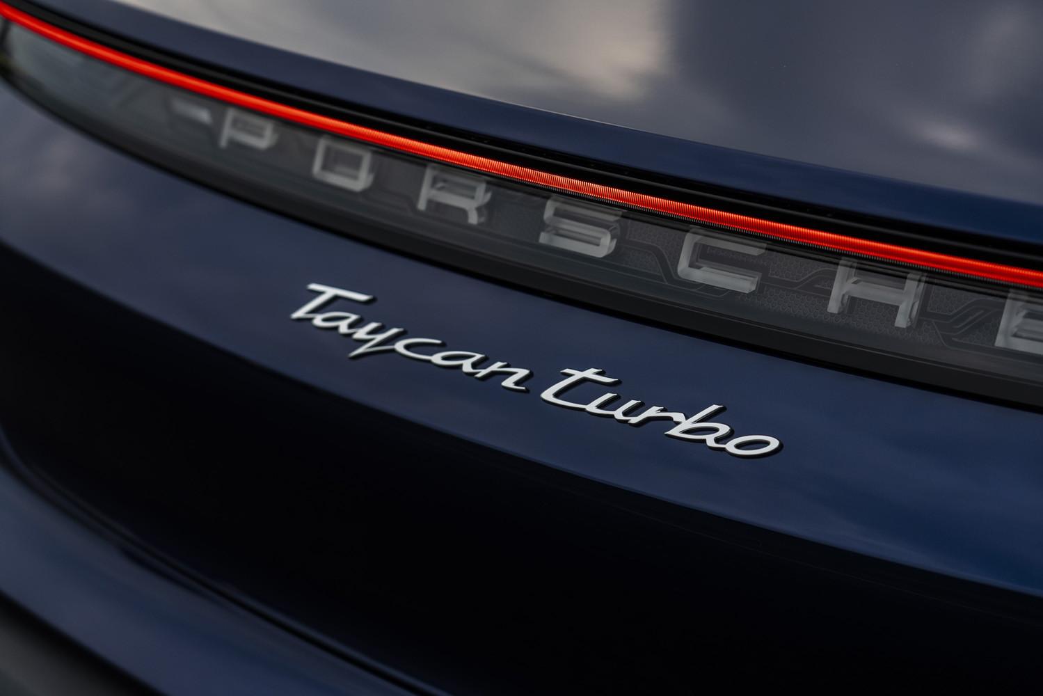Foto de Porsche Taycan prueba contacto (38/275)