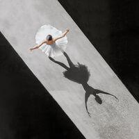 'Ballerine de l'air', de Brad Walls: el arte del ballet visto desde una perspectiva inédita pero muy estética