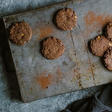 Galletas de chocolate y cacahuetes: receta vegana sin huevo, mantequilla ni leche