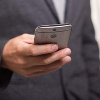 Qué teléfono móvil regalar en el día del padre: 31 propuestas diferentes en función del tipo de usuario