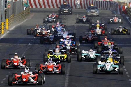 Tres pilotos españoles en el Gran Premio de Macau 2011