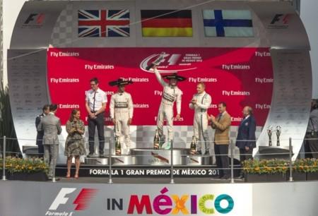 Nico Rosberg se corona ante 134,800 asistentes que formaron parte de un histórico Gran Premio de México