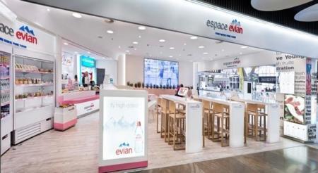 Pure water & pure food en el Espacio Evian de la T4 del Aeropuerto Adolfo Suárez Madrid-Barajas
