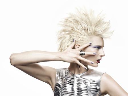 CND presenta Brisa Lite, un gel para alargar o reforzar las uñas