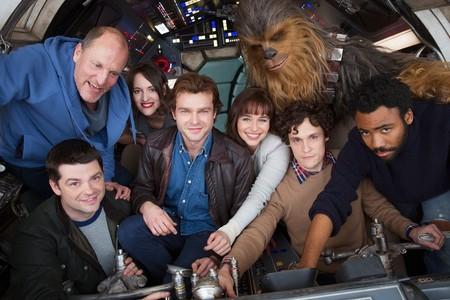 Phil Lord y Chris Miller con los actores antes de empezar el rodaje