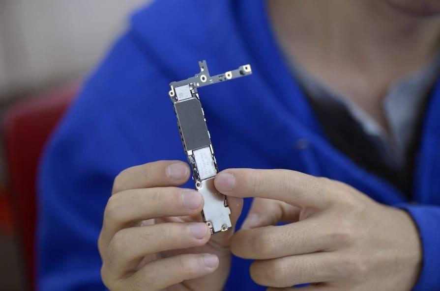 Foto de Ampliando la memoria del iPhone, en un callejón (3/4)