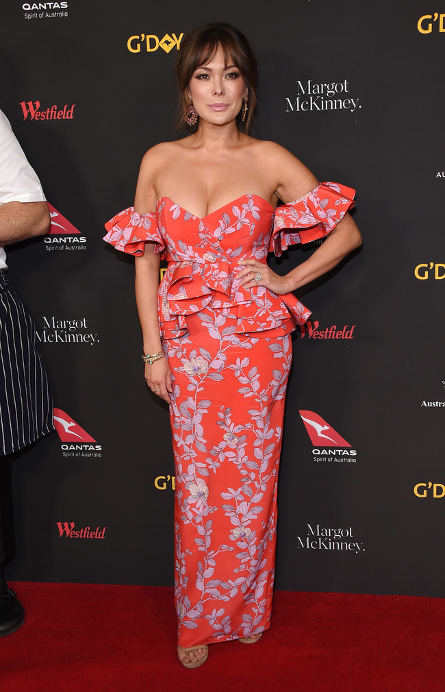 gala g'day alfombra roja red carpet look estilismo outfit Lindsay Price