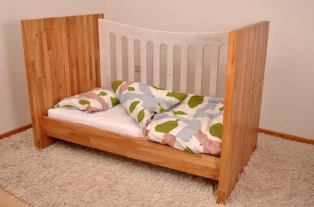 Muebles evolutivos para que la habitaci n del beb crezca for Mueble que se convierte en cama