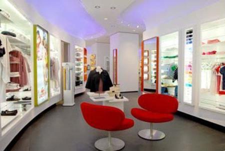 Primera tienda femenina de Lacoste en España