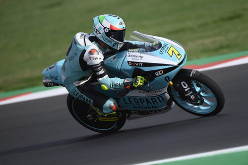 Dennis Foggia prolonga su racha ganando en Misano y se convierte en candidato al mundial de Moto3
