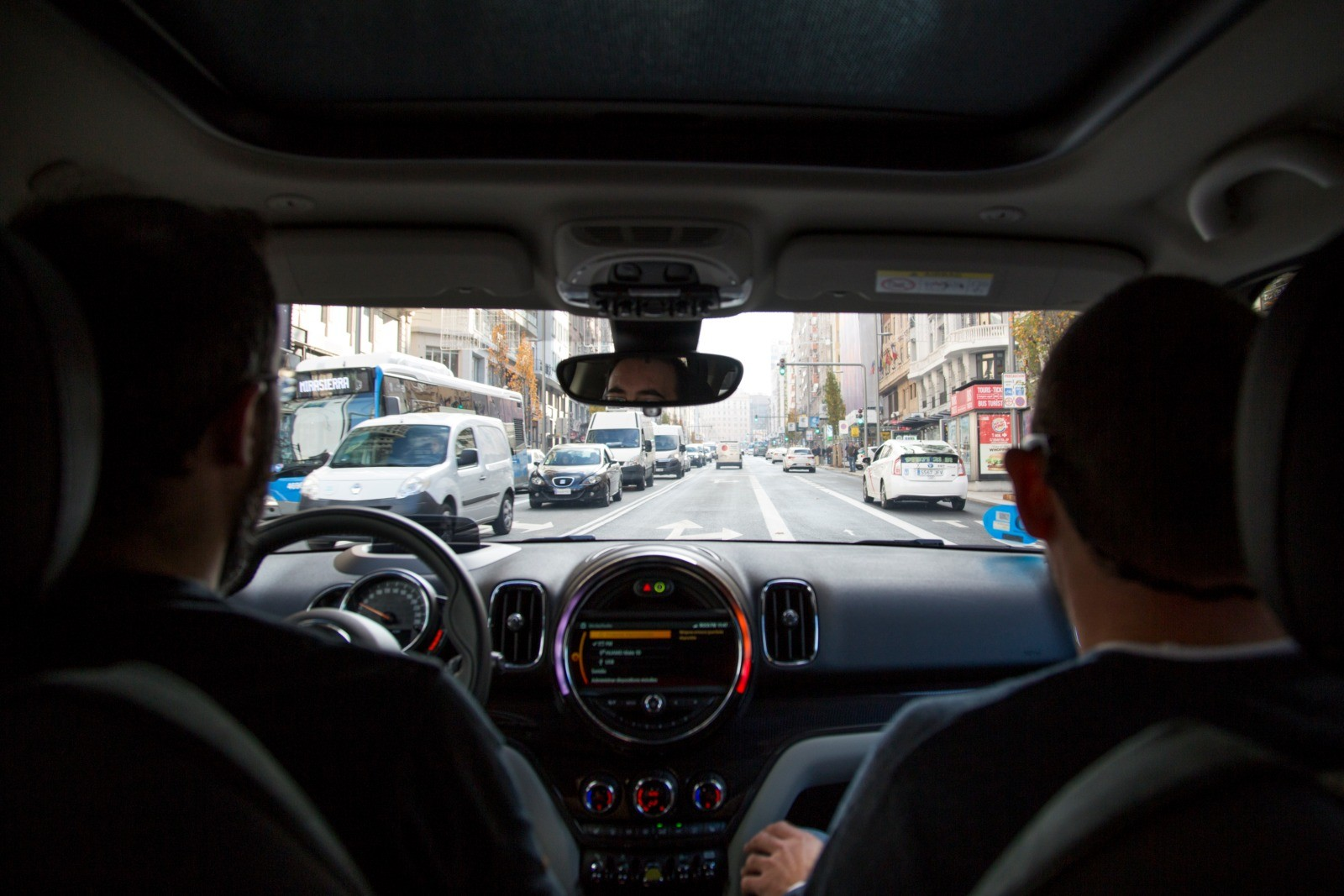 Foto de Madrid Central con el MINI Cooper S E Countryman All4 (1/20)