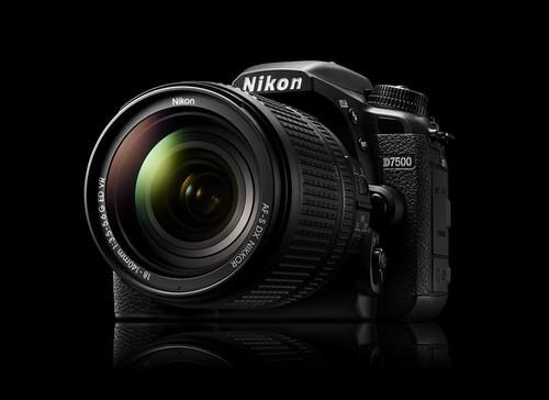 Nikon D7500, la nueva réflex de gama media más rápida y ahora sí con vídeo 4K