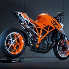 Foto 1 de 6 de la galería salon-de-milan-2012-prototipo-de-la-ktm-1290-super-duke-r-vuelve-la-bestia en Motorpasion Moto