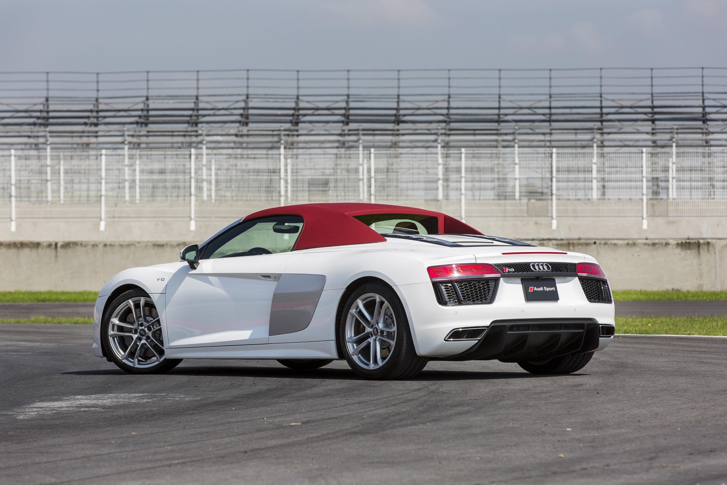 Foto de Audi R8 Spyder (23/38)
