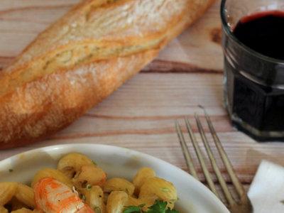 Amorelli con langostinos y su crema. Receta sencilla de pasta
