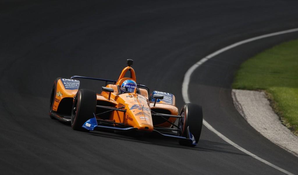 Fernando Alonso tendrá que ir a la repesca para poder correr las 500 millas de Indianápolis y critica a McLaren