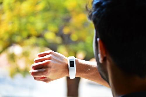 Pulseras de actividad y relojes deportivos en oferta en la semana previa del Black Friday: Garmin, Fitbit, Apple y Polar