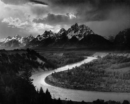 Fotos míticas de la historia: 'The Grand Tetons and the Snake River', 1942: la naturaleza mística de Ansel Adams