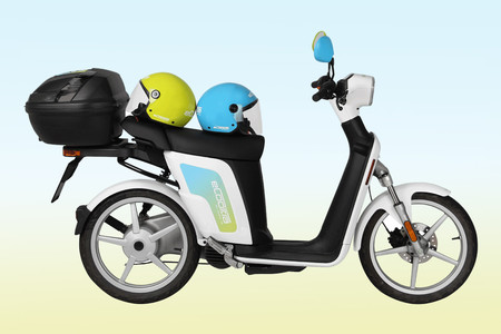 """eCooltra ha estrenado un nuevo modelo de moto eléctrica en Madrid que """"irá mejor en las cuestas"""""""