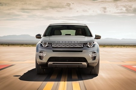 landrover-discovery-sport-2015-650-02-1.jpg