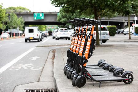 ¿Pueden las bicicletas y los patinetes ganar la batalla al coche? Las cifras de la micromovilidad