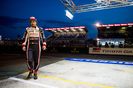 El Toyota TS050 HYBRID de Fernando Alonso marca la pole provisional en Le Mans