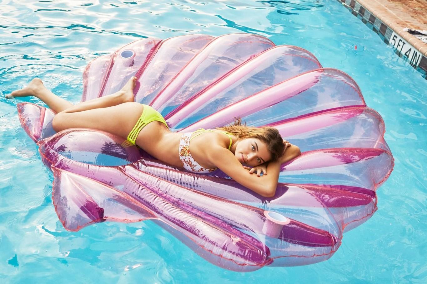 b350865c Que se aparten las influencers, con estos 36 flotadores de moda tú serás la  reina de Instagram