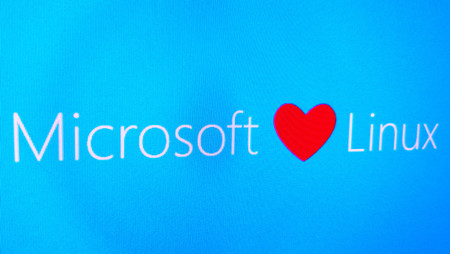 Microsoft sigue mejorando su subsistema Linux, y lo actualiza a Ubuntu 16.04