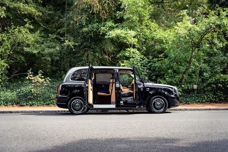 The Most Luxurious London Taxi 4