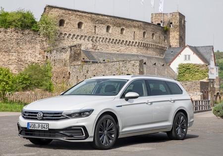 Volkswagen Passat Gte Variant 2020 1280 04