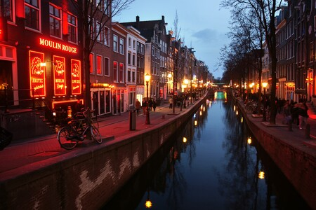 Red Light District 3292225 1920