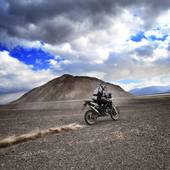 Foto 15 de 22 de la galería honda-crf1000l-africa-twin-record-de-altitud en Motorpasion Moto