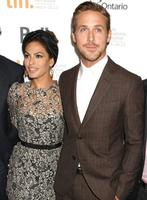 Uy, uy, que Eva Mendes y Ryan Gosling han hecho encargo a la cigüeña