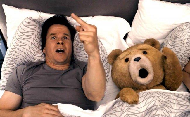 Mark Wahlberg en una escena de Ted