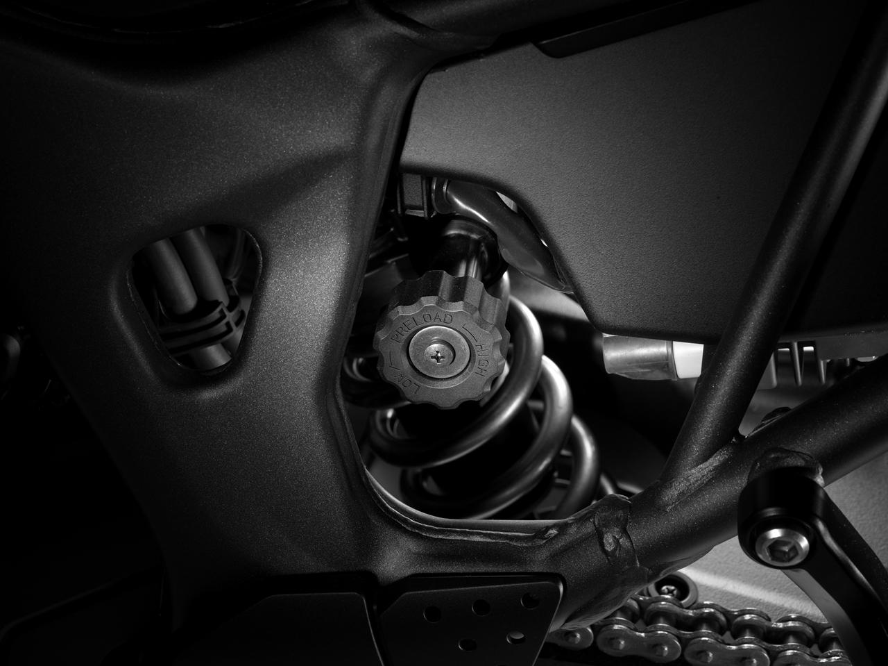 Foto de Honda CRF1000L Africa Twin estudio (9/44)