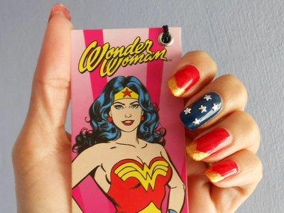 Sí, Wonder Woman también llega a las manicuras, palabra de Instagram