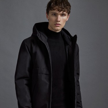 Todo al negro: Lefties y su 'Black Collection' llenan nuestro armario de looks deportivos urbanos