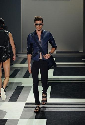 Foto de Gucci, Primavera-Verano 2010 en la Semana de la Moda de Milán (11/15)