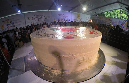 México rompe récord, se lleva el Guinness del mazapán más grande del mundo