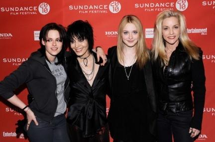 Kristen Stewart y Dakota Fanning pisan fuerte en el Festival de Sundance