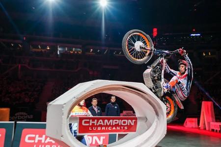 Toni Bou consigue su 65ª victoria en el Campeonato X-Trial en una final apretadísima frente a Adam Raga