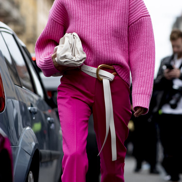 De la pasarela al street style: el rosa fucsia invade el mundo de la moda para demostrar que es el color estrella de este 2019
