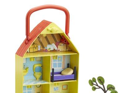 Maletín de juego Casa y jardín de Peppa por 20,56 euros en Amazon