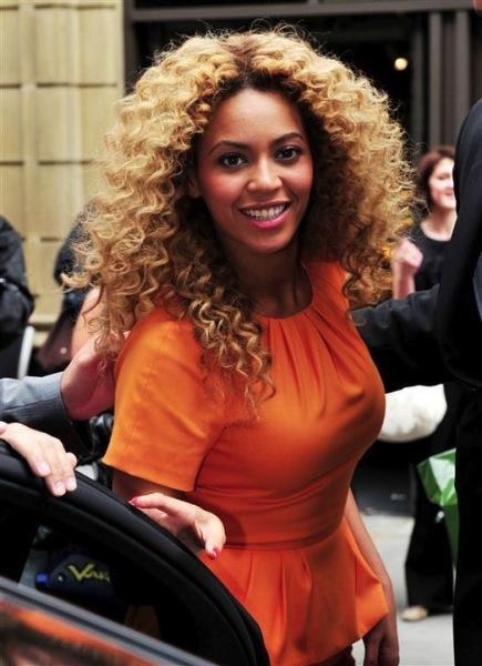 Ahora dicen que lo que lleva Beyoncé a todas partes... ¡es un Nenuco!
